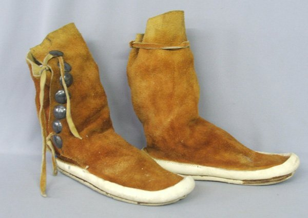 1356: Navajo Leather Moccasins 10.5'' x 11'' Tall