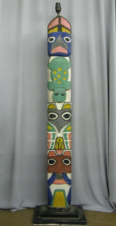 1375A: Northwest Coast Totem Pole Lamp 4.5' MUST BE PU