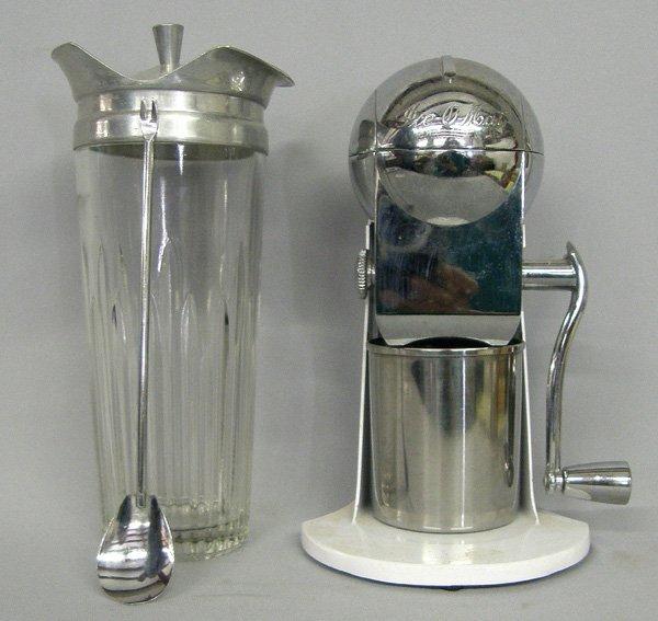 1044: Vintage Ice-O-Mat Ice Crusher & Martini Mixer 9''