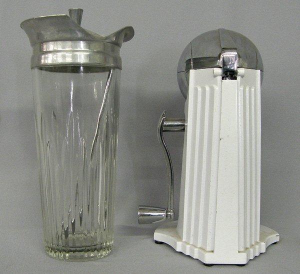 1044: Vintage Ice-O-Mat Ice Crusher & Martini Mixer 9'' - 2