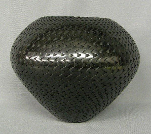 "1003: Mata Ortiz Pottery Jar by Reynaldo Quezada 7""x8"""