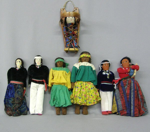 1012: 7 Navajo & Tarahumara Cloth Dolls 8'' Largest