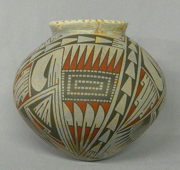 1013: Mata Ortiz Pottery Jar by Oscar Quezada 7''x7''