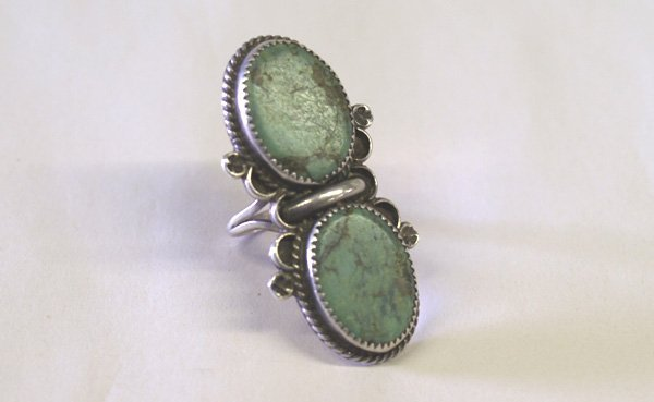 1008: 1950s Navajo Double Turquoise & Silver Ring 10.5