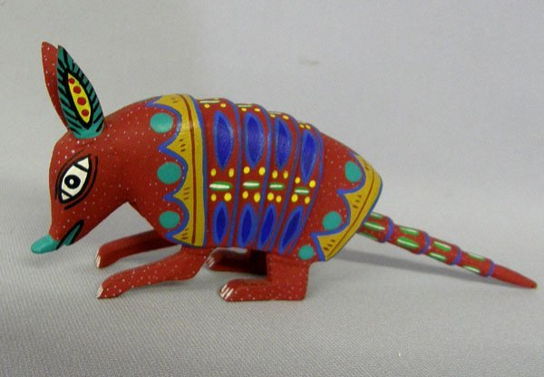 1008A: Oaxacan Wooden Armadillo by E. Ramirez 3.7''