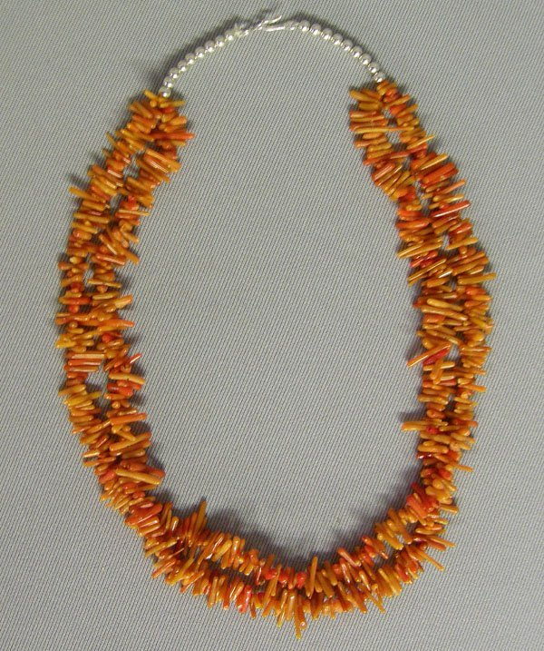 1010: Navajo Angel Hair Branch Coral Necklace 19'' L