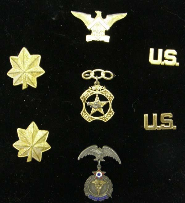 1010A: 7 Estate Military Jewelry Pins & Ensignia 1.5''