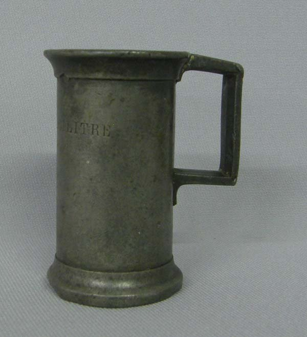 1202: Antique Miniature American Pewter Tankard 2.5''H