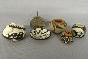 5 Miniature Pueblo Pots 1'' X 1 1/4''