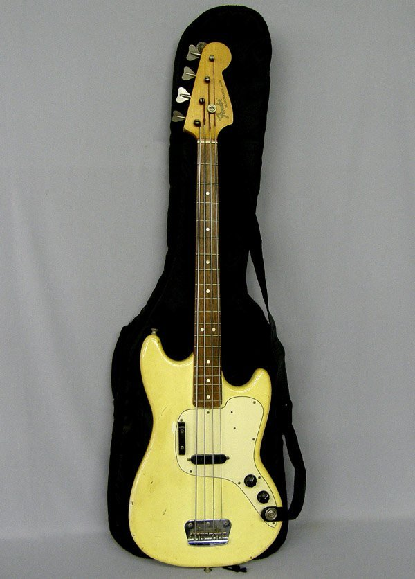 Fender Bass Electric Musicmaster Guitar W/case