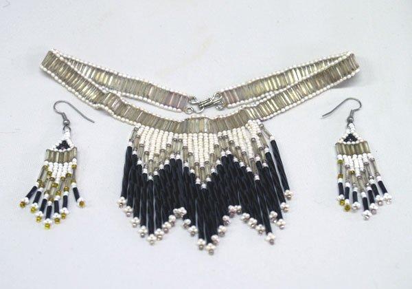 Sothwestern 13'' Bead Choker and Dangle Earrings