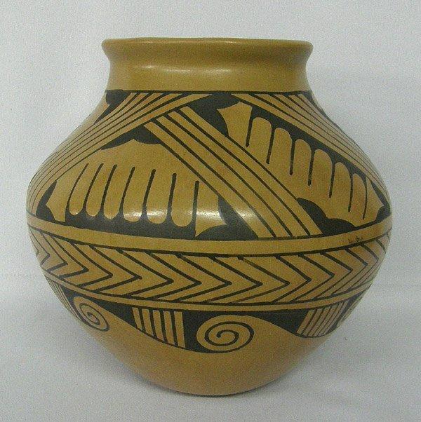 Mata Ortiz Pottery By Jesus Tena 7'' x 7.5''