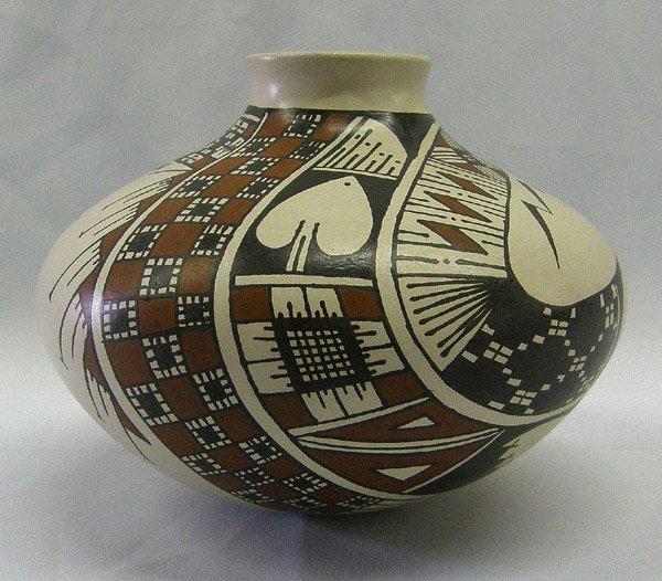 Mata Ortiz Pottery Jar by Alvaro Ledezma