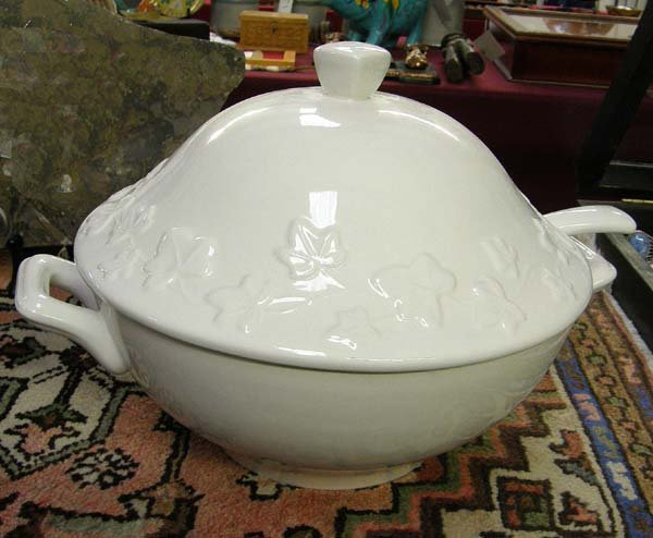 1306A: White Ceramic Lidded Tureen with Ladle