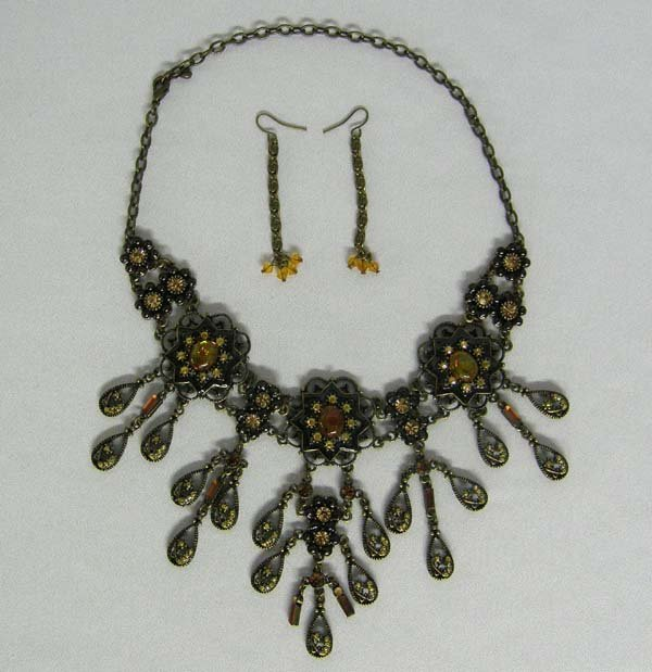 Victorian Style  Necklace & Matching Pierced Earrings