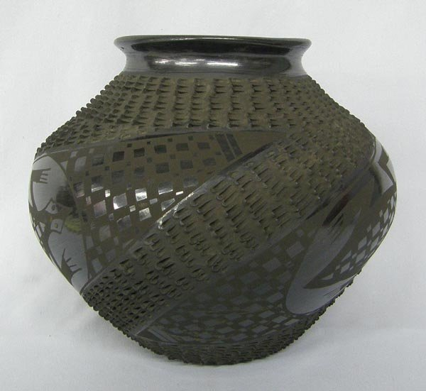 Mata Ortiz Black Textured Pottery by Mario Olivas - 2
