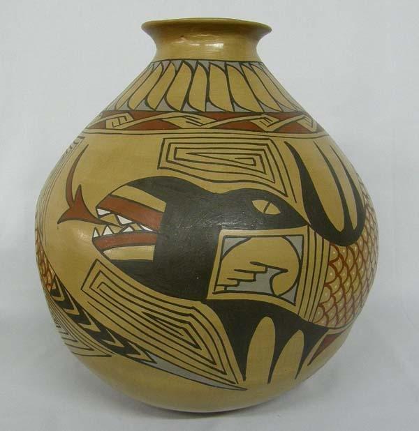 Mata Ortiz Pottery by Miguel Bugarini