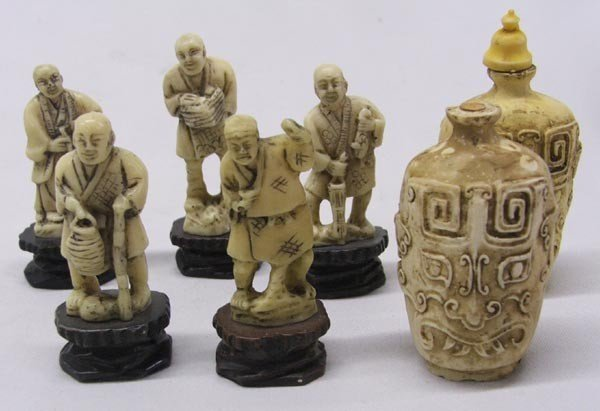 5 Asian Figures and 2 Snuff Bottles