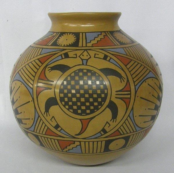 Mata Ortiz Large Jar by Jesus Tena