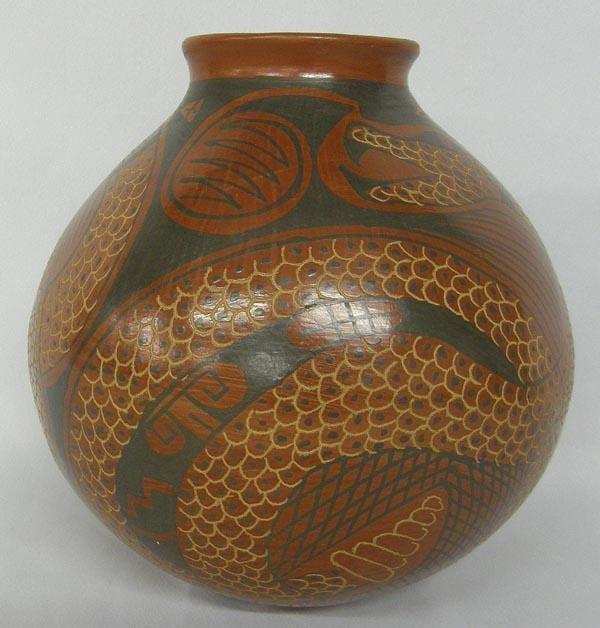 Mata Ortiz Pottery Jar by Daniel Gonzalez