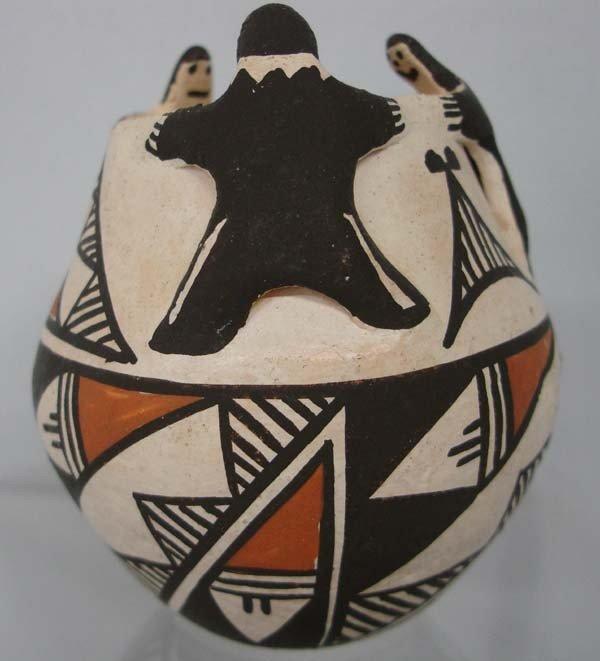 Acoma Friendship Pot by Phyllis  Leno