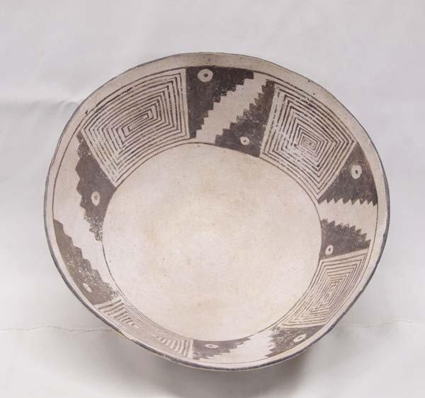 Lg Prehistoric Mesa Verde Black on White Bowl