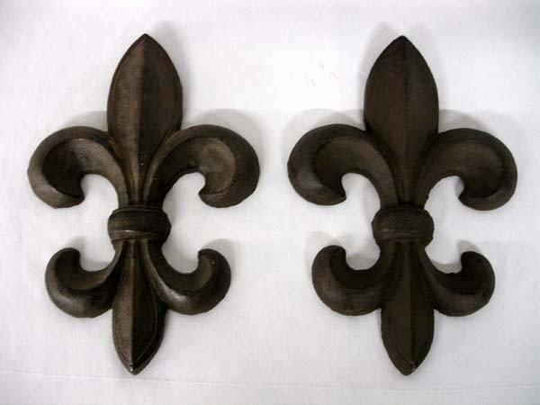Cast Iron Fleurs de Lis Decorative Art Hangings