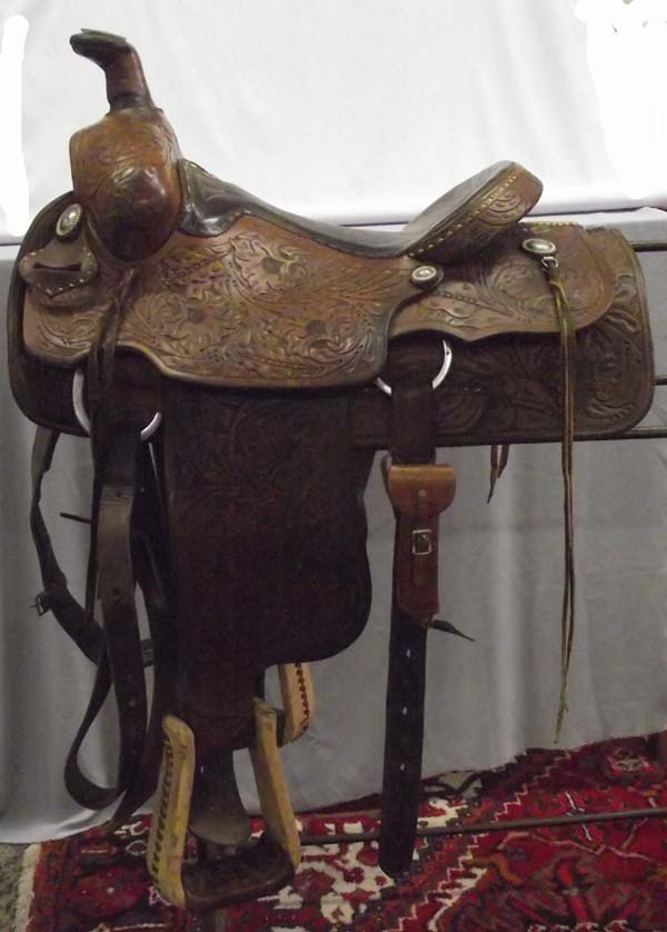 Western Court's Roping Saddle