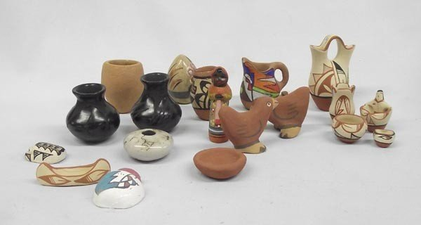Collection Miniature Pottery