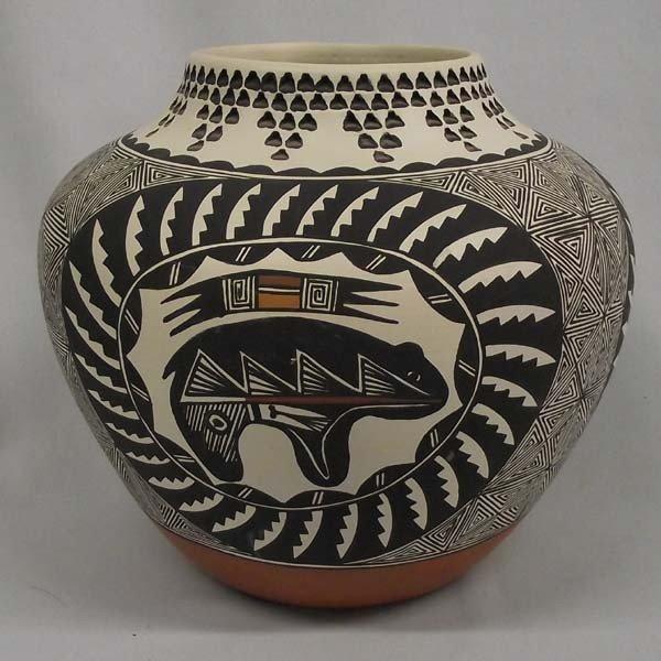 Native American Acoma Pot