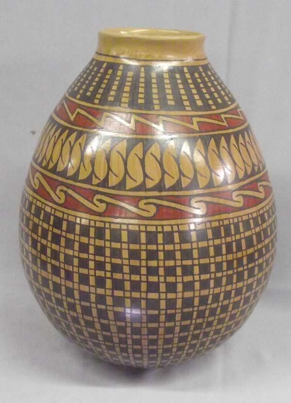 Mata Ortiz Polychrome Pottery - Daniel Gonzales