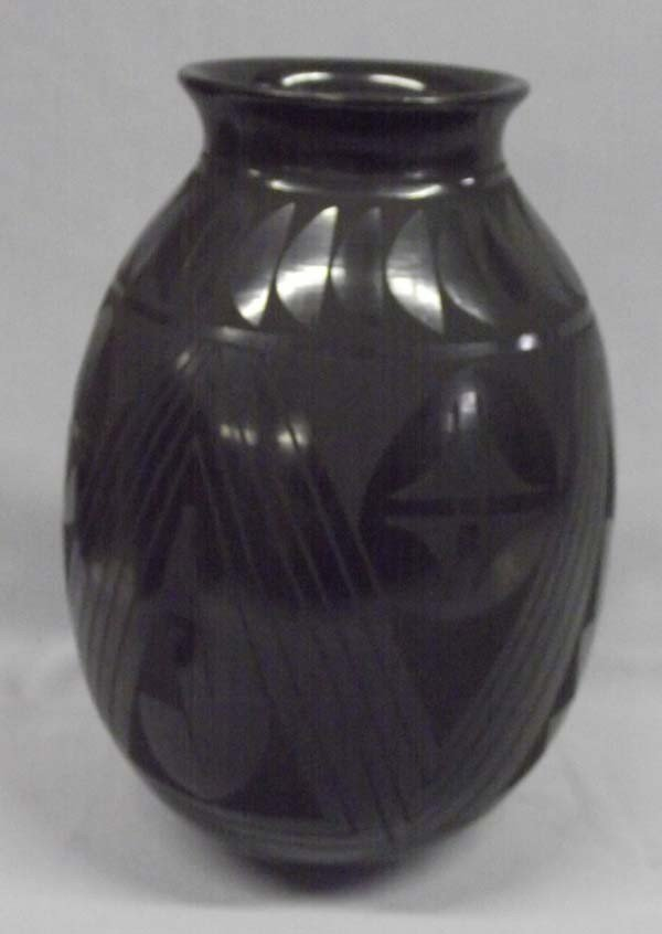 Mata Ortiz Black On Black Pottery - Luis Ortiz