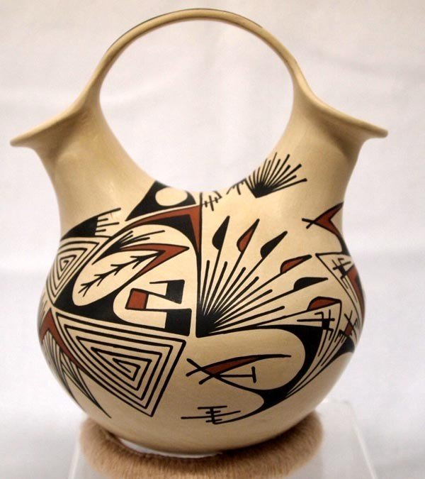 Mata Ortiz Wedding Vase by Octavio G Quezada