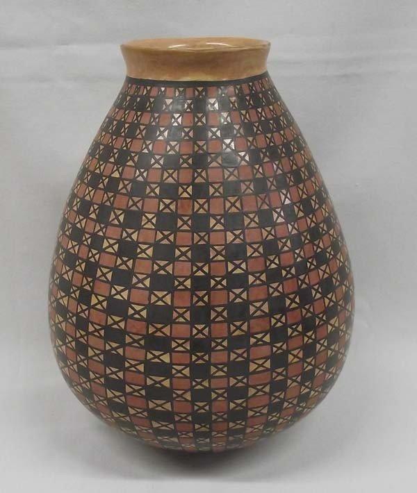 Mata Ortiz Eye Dazzler Pottery - Tito Enriquez