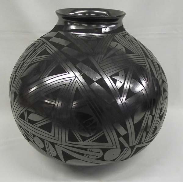 Museum Size Mata Ortiz Pottery - Lucia Sota