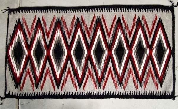 Navajo Ganado Serrated Diamond Pattern Rug