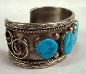 Navajo Sterling Silver Turquoise Nugget Bracelet
