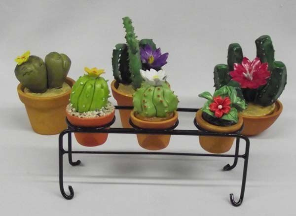 Miniature Decorative Clay Flower Pots With Plants