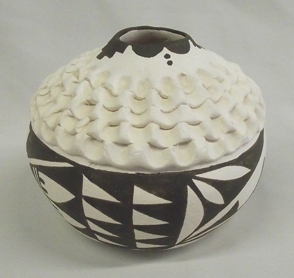 Acoma Traditional Seed Pot - Norma Jean