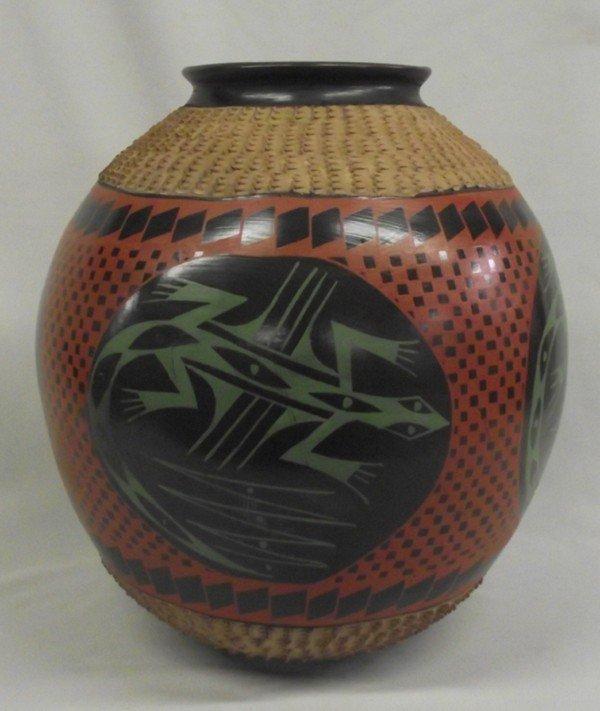 Mata Ortiz Museum Size Lizard Jar - Mario Luna