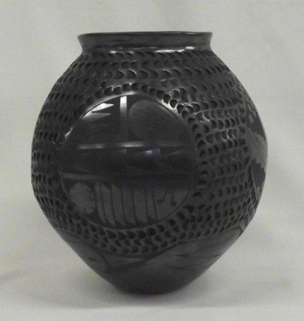 Mata Ortiz Black on Black Jar