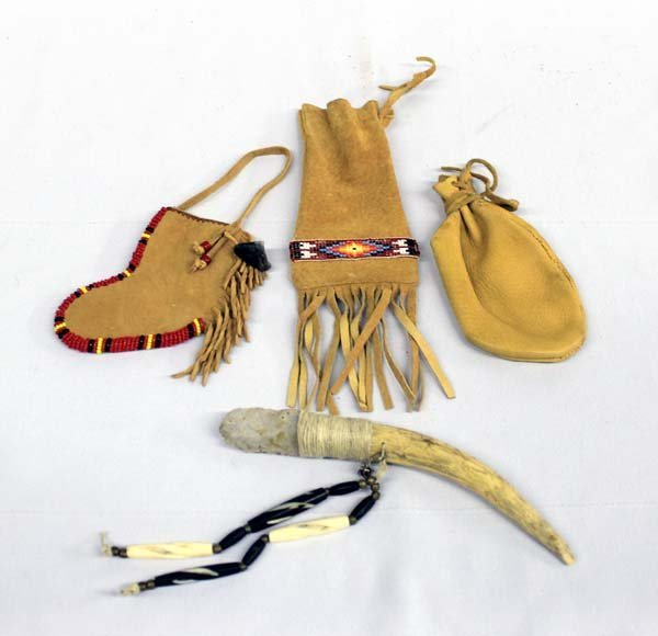 Native American Hafted Flint Knife & Leather Bags
