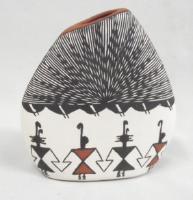 Acoma Eye Dazzler Pillow Pot Vase by Monique G.