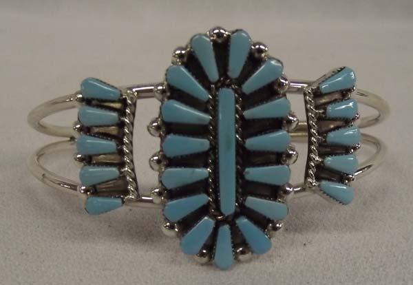 Zuni  Petit  Point Turquoise Bracelet -  Halusewa