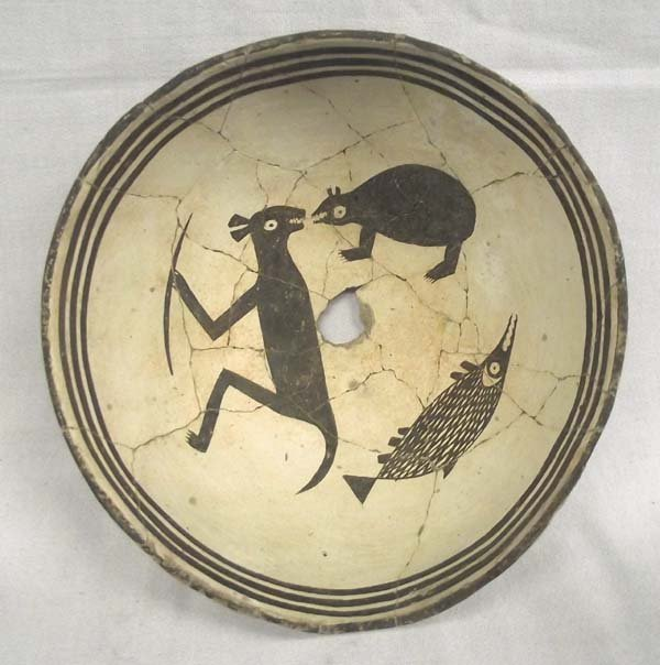 Prehistoric Mimbres Zoomorphic Three Animal Story Bowl