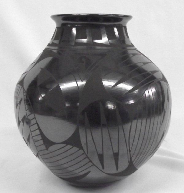 Mata Ortiz Black on Black Vase- Lucia Soto