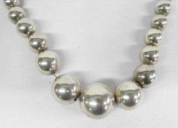 Navajo Sterling Silver Hollow Bead Necklace
