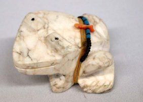 Zuni Alabaster Carved Frog Fetish with Power Pack