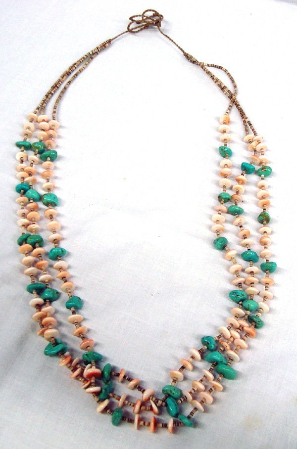 Santo Domingo Turquoise & Pink Shell Necklace