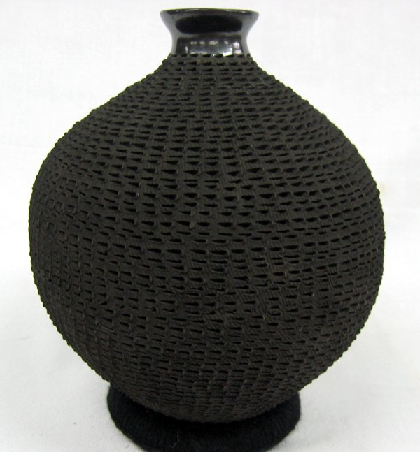 Mata Ortiz Black Incised Jar by Lucie Soto